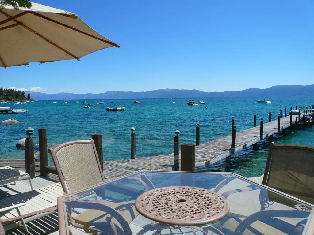 Luxury lakefront homes tahoe city north shore and west for North lake tahoe cabins